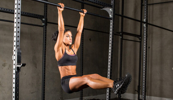 elevación de piernas en barra 2