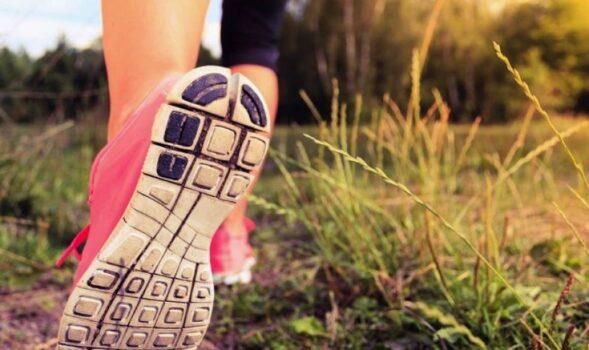 correr-en-la-hierba