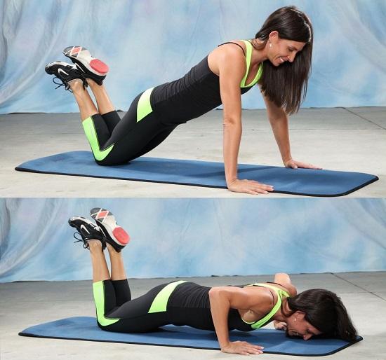flexiones de brazos apoyando las rodillas