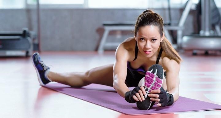 ejercicios-para-estirar-los-Isquiotibiales