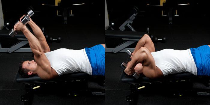 extension de triceps en banco declinado con mancuernas