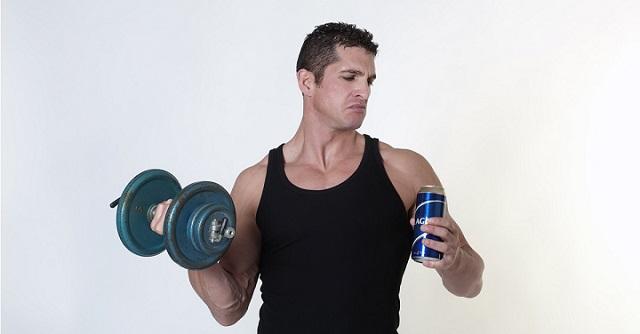 el alcohol y el entrenamiento con pesas